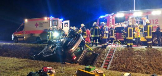 Verkehrsunfall auf der Staatsstr. 2214 bei Tagmersheim