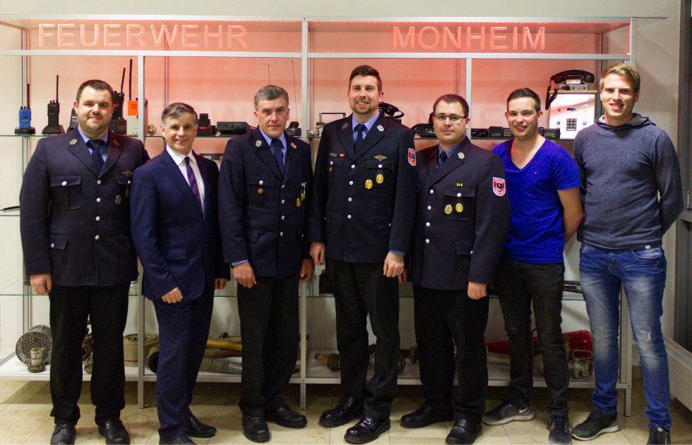 """Die neue, """"alte"""" Vorstandschaft der Freiwilligen Feuerwehr Monheim e.V."""