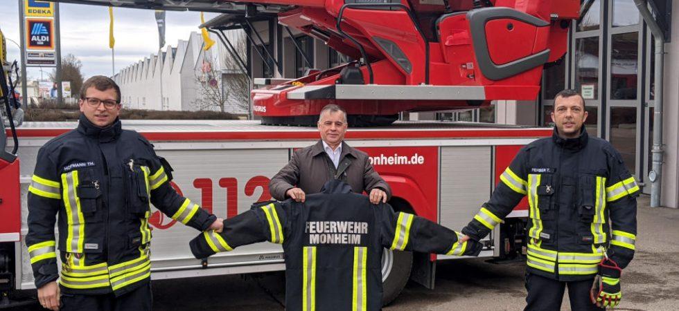 Neue Schutzkleidung für die Feuerwehr Monheim